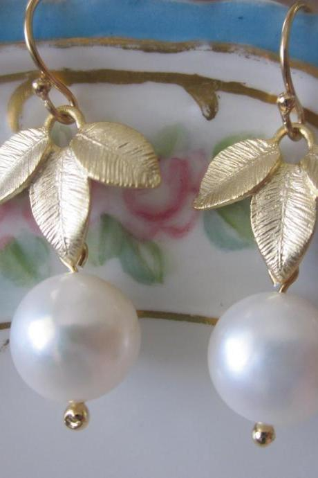 White Freshwater Round Pearl Earrings Gold Three Leaf - Bridesmaid Earrings - Bridal Earrings