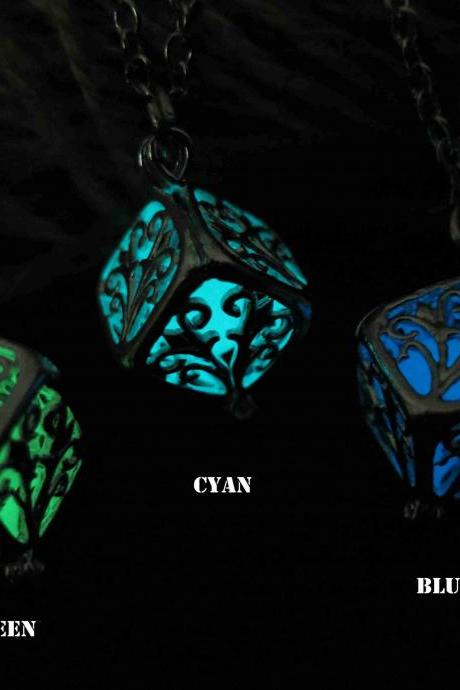 Free Shipping Wish tree Glowing Necklace , tree of the Forest Glowing Necklace, Glowing Jewelry,Glow Pendant Necklace,Halloween jewelry, Wedding necklace