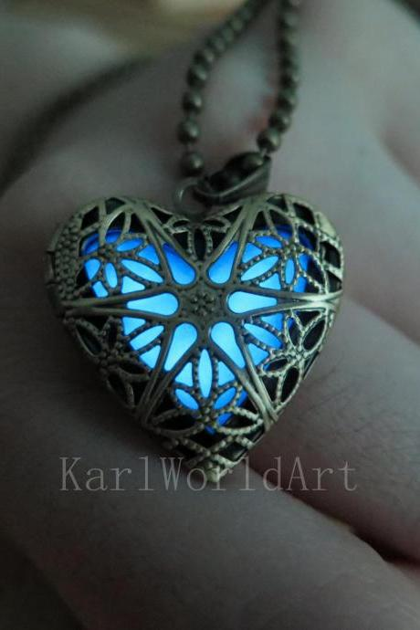 Free Shipping Blue the Heart of Atlantis, Glowing Necklace , Glowing Jewelry,Glowing Pendant,Glow heart,glow pendant necklace