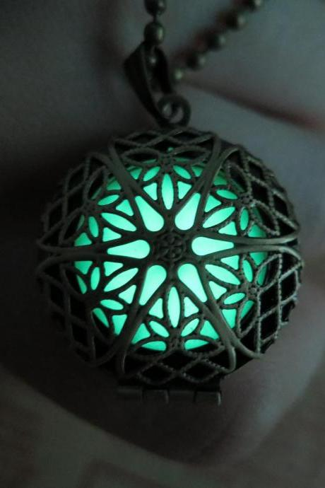 Free Shipping Glow in the dark Green necklace,Glow Pendant Necklace,Party necklace,wedding necklace