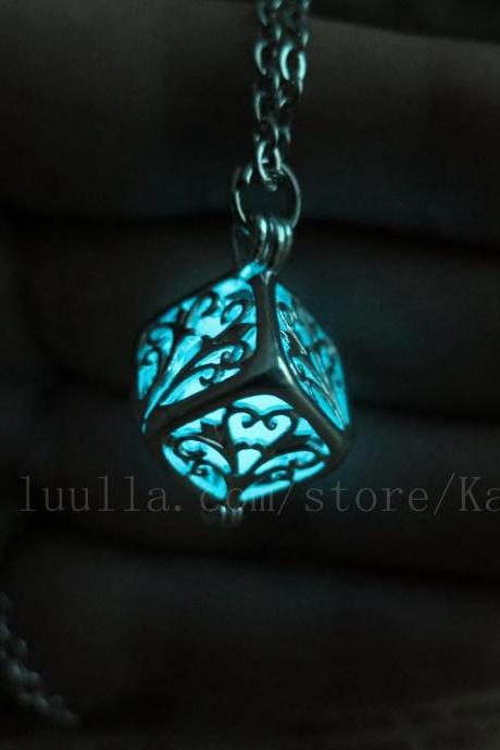 Free shipping Cyan Cube glow in the dark necklace,glow pendant necklace,Halloween jewelry