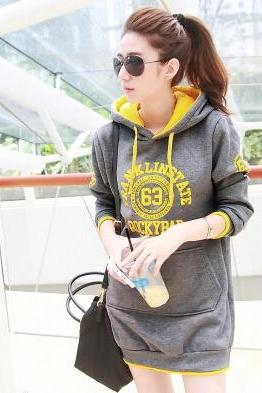In The Autumn/Winter 2015 New Women's Wear Long Sleeve Hooded Fleece Long Fleece Female Letters With Thick Woollen Sweater Fleece Jacket