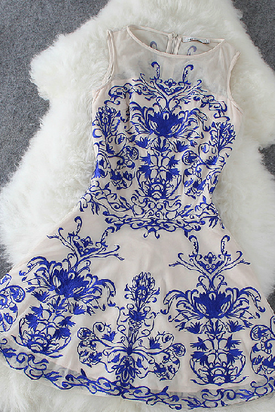 Blue And White Porcelain Sleeveless Dress Lace Embroidery