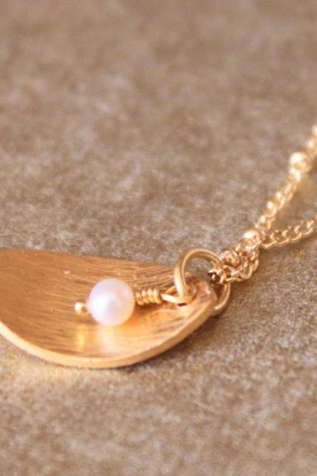 LEAF--Pearl and Gold Petal Charm Necklace