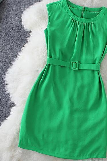 Fashion simple mess with green belt sleeveless dresses