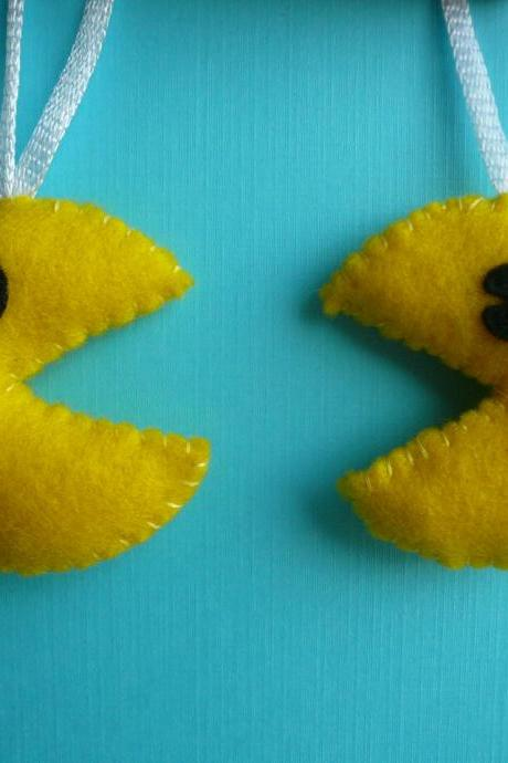 Mr. and Mrs. Pac man Ornament Set