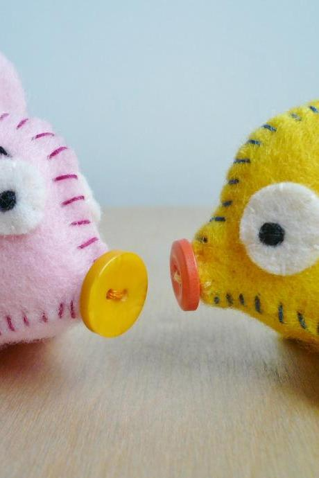 Miniature felt animals - Angry Pig and Yellow Pig Set