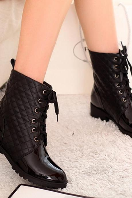 Black Boots Fashion Lacing Riding Boots Womens Motorcycle Boots Biker Boots