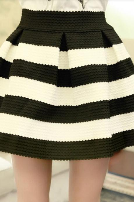 Short Skirt With Stripes In 4 Colors