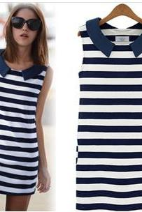 Sleeveless Casual Dress With Black And White Stripes