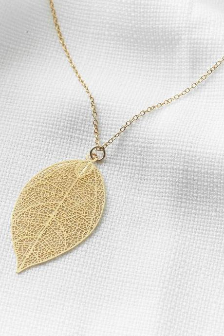 Gold Long Necklace, Gold Leaf Necklace, Filigree leaf, Gold leaf pendant, Fashion jewelry, Delicate necklace, Birthday gift, Gold necklace