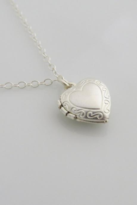 Silver necklace - Heart necklace, Tiny heart locket necklace, Simple heart necklace, Little silver heart locket