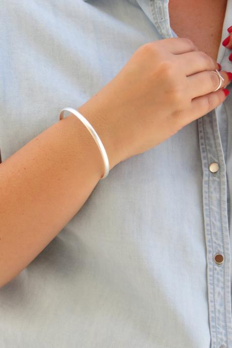Silver bracelet, Silver bangle, Simple bangle bracelet, Stacking bangle, Band Bracelet, Silver accessory, Gift for her