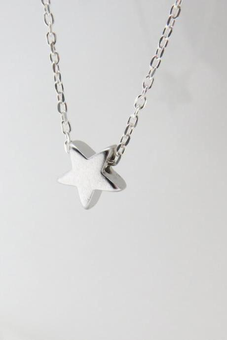 Silver star necklace - Tiny silver necklace, Star jewelry, Silver star pendant, Dainty everyday jewelry, Simple silver necklace