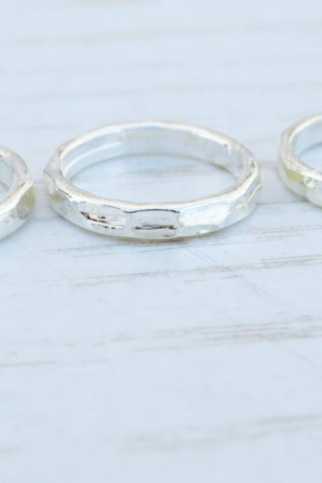 Silver knuckle Ring - Silver stacking rings, Silver shiny bands, Set of 3 stack midi rings, Silver jewelry, Hammered ring