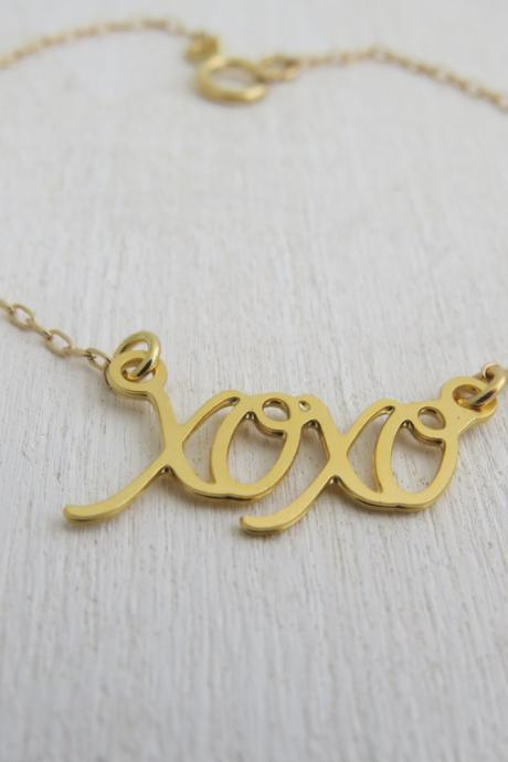 Gold Bracelet - Gold XOXO pendant, Friendship bracelet , Gold Jewelry, Simple Gold Bracelet, Everyday Bracelet, Dainty Gold Bracelet