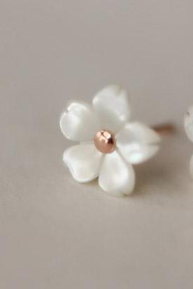 Natural shell camellia pretty 925 Sterling silver earrings cute elegant ear stud ear nail