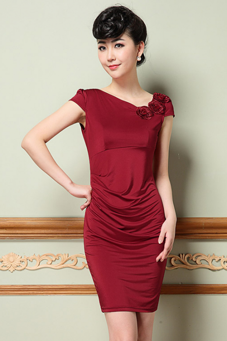 The new Europe and the United States OL ice silk heavy stereo embroidery flower oblique V collar formfitting dress