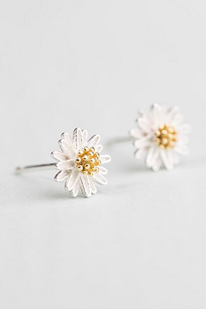 Sterling Silver Anti Allergy Daisy Earring