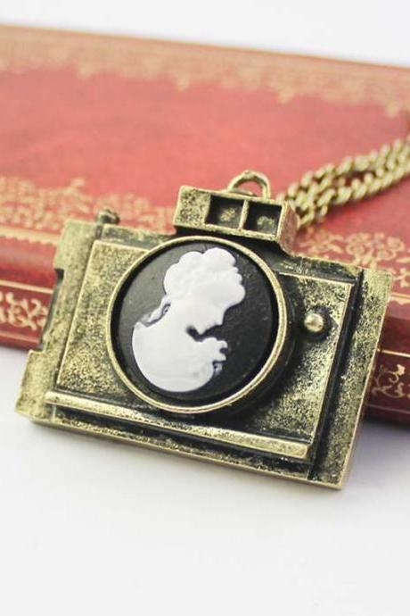 Portrait camera long necklace