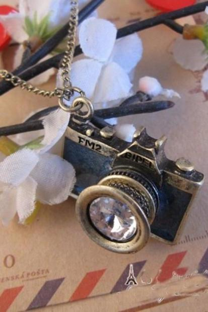 Black camera necklace, FM2