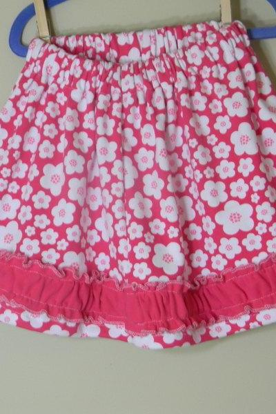 Girls Twirl Skirt Size 5 Pink Knit Flowers Ruffles