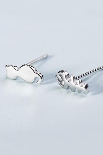 Sterling Silver Anti Allergy Cat and Fishbone Earring