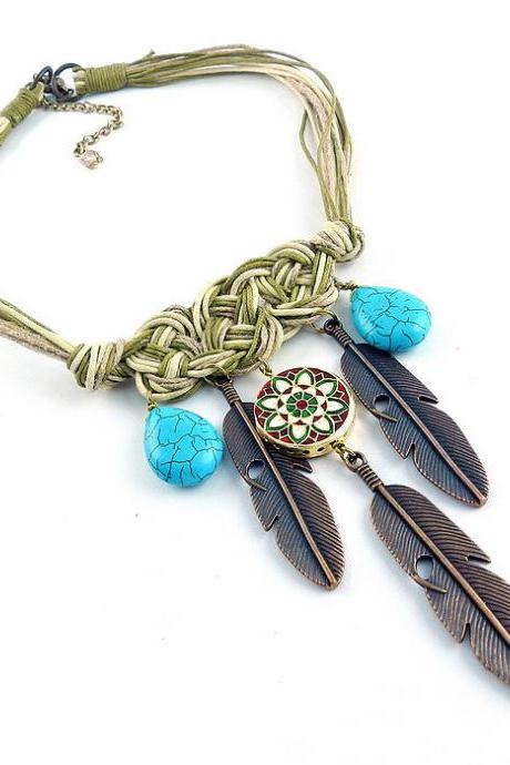 Tribal feather necklace - chunky tribal necklace - tribal statement necklace - feather bib necklace - bohemian bib necklace, native jewelry