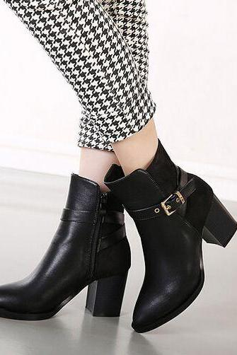 Stylish Black Buckle Design Chunky Heel Boots
