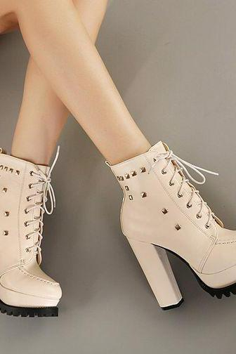 Fashion Rivet Chunky Heel Boots In Apricot