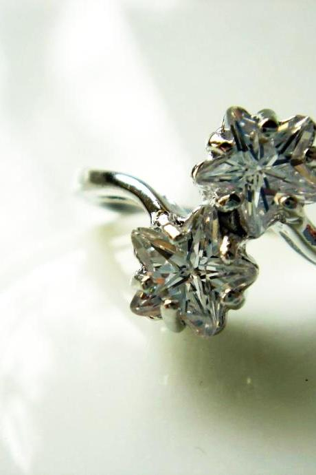 Double Star CZ Silver Ring R10