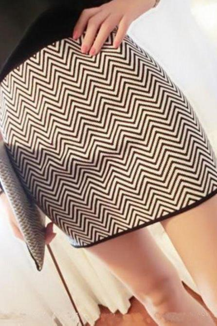 Chic Chevron Pattern Skirt