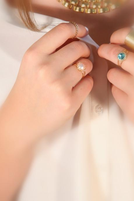 gold ring, pearl ring, stone ring, pearl and gold ring, white pearl, gold and white - 5066