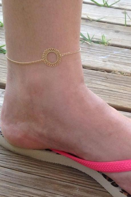 Anklet, circle anklet, tiny circle anklet, circle gold filigree, delicate bracelet, summer, anklet, gold circle, goldfilled -588