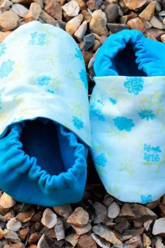 Baby booties, blue flowers 0-6 months