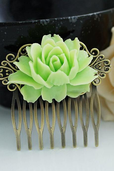 Wedding hair accessories Bridesmaids Gift Wedding Hair Comb Vintage Style Spring Green Rose Flower Bridal Hair Comb Bridal Hair accessories