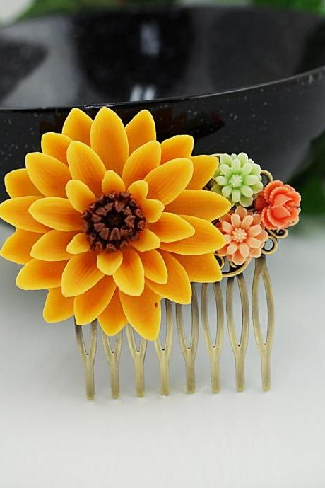 Wedding hair accessories Bridesmaids Gift Wedding Hair Comb Vintage style Collage Bridal Hair Comb Bridal Hair accessories