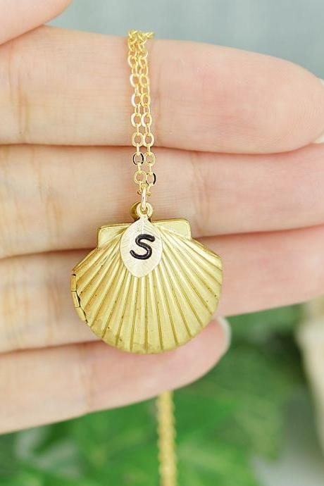 Personalized Sea Shell Locket necklace with Swarovski Pearl bridesmaid gift bridesmaid necklace Beach Wedding Summer Weddings
