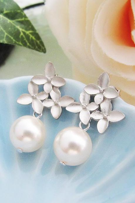 Wedding Jewelry Bridal Earrings Bridesmaid Earrings Destiny - Matt silver plated flower ear posts with Crystal White Swarovski Pearls
