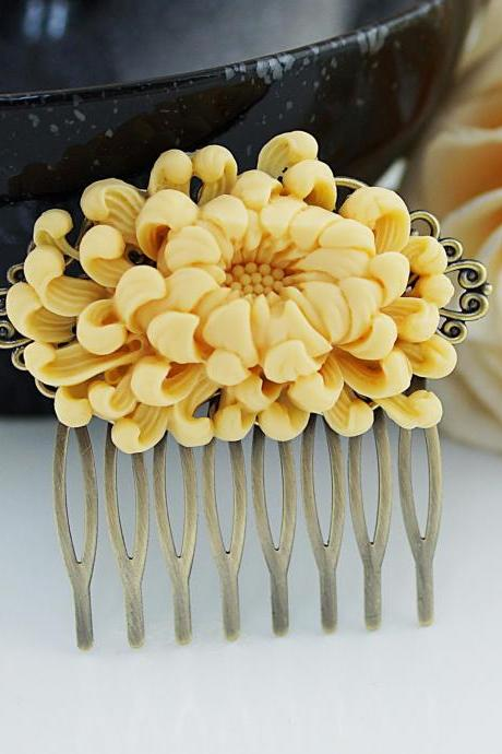 Bridal Hair Comb Wedding Hair Comb Bridesmaids Gift Vintage style Chrysanthemum Hair comb Bridal Hair accessories Bridal Hair Piece