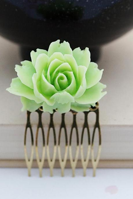 Wedding hair accessories Bridesmaids Gift Wedding Hair Comb Spring Green Rose Flower Bridal Hair Comb gift for her Bridal Hair accessories
