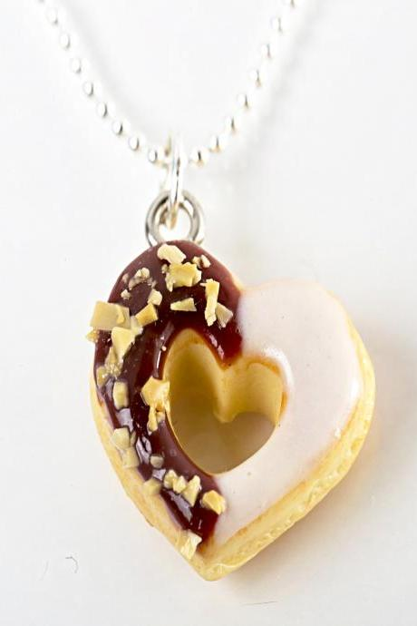 heartt donut necklace