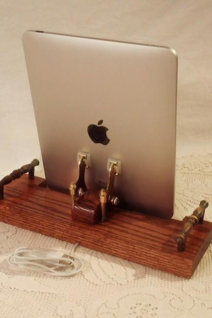 iPad - iPhone - iPod - Dock - Sync and Charging Station- Oak - EX Model - Style V1 (Yes for the iPad )