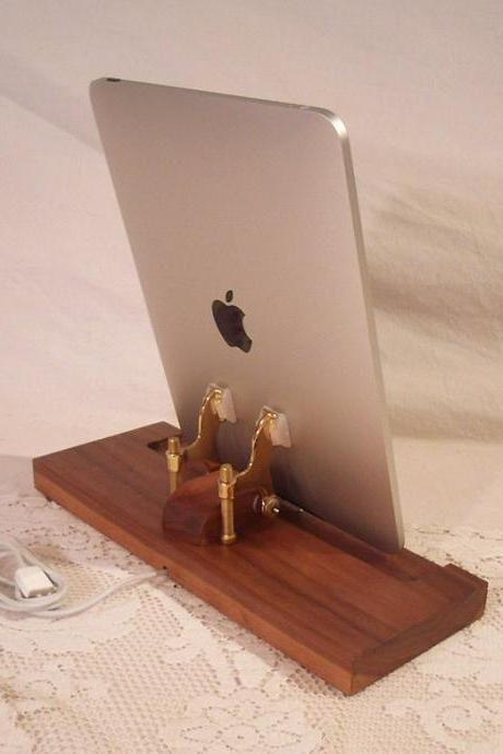 iPad - iPhone - iPod - Dock - Sync and Charging Station- Walnut - style V1 (Yes for the iPad ) iPad Dock IPhone4 Dock iPod