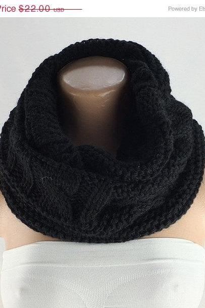 Black infinity scarf, chunky knit scarf, loopy scarf, woman scarf, circle scarf,ring scarf,woman scarf, gift for her