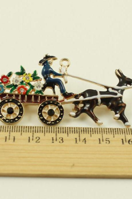 Santa Claus, Send flowers carriage necklace