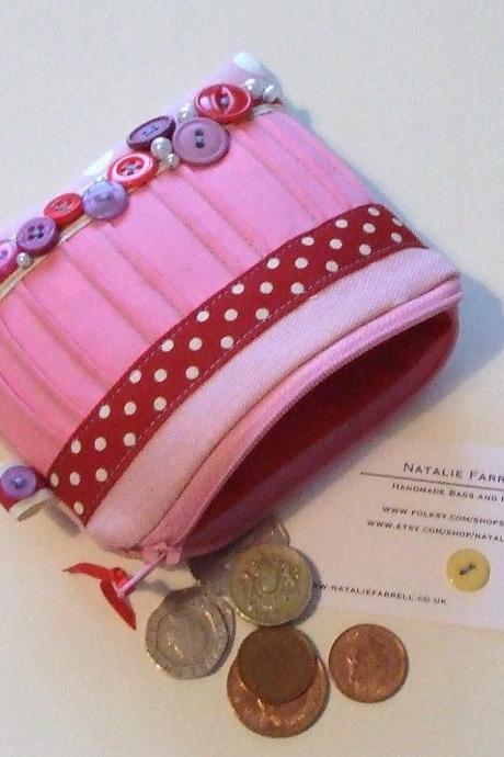 SALE SALE SALE Vintage Button Coin Purse