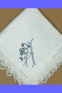 Shamrock Embroidered Linen Ladies Hankie in IVORY fabric
