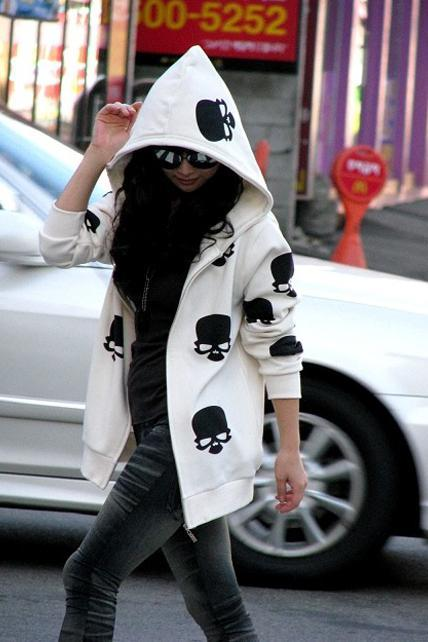 Cute Skull Head Print Long Sleeve Hoodies - White