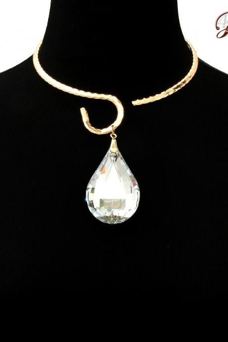Pendant Necklace, Choker with Crystal Pendant
